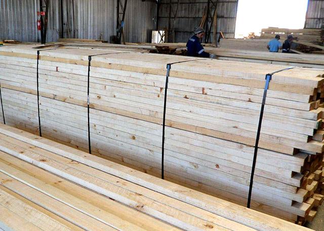 探讨木方制造厂怎样做生产制造安全检查,选择建筑木方的方法是?